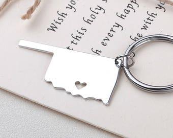 I heart Oklahoma keychain - Oklahoma keyring - Map Jewelry - State Charm - Map keychain