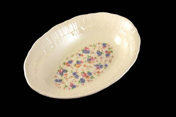 Oval Bowl, Homer Laughlin, Chintz Pattern, Ivory Color, 9-inch Bowl, Serving Bowl, Floral Design