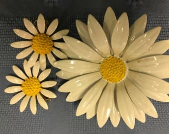 Yellow and white daisy pin brooch  matching earrings