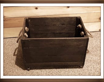 Rustic Reclaimed Wood Rolling Storage Crate, Large Wooden Crate, Storage Crate, Rustic Wooden Storage Box on Wheels