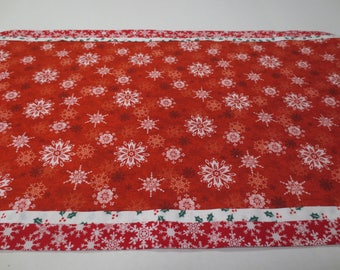 Christmas Table Runner, Red Snowflake Table Runner, Table Runner, Patchwork Christmas Table Runner