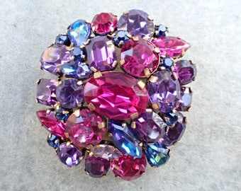 Vintage Signed Made in Austria rhinestone dome brooch AB572