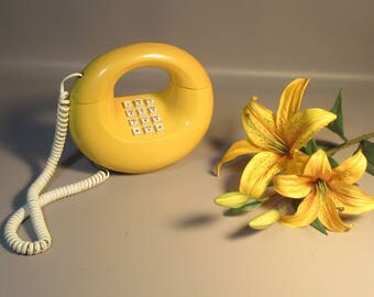 c1970 Sculptura Donut Phone w/Touch Tone Dial In Working Condition Bright Yellow