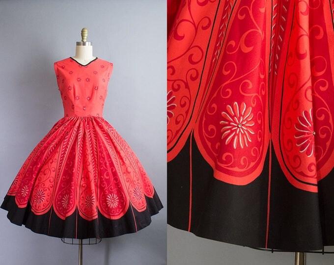1950s Red Floral Dress/ XS (34B/24W)
