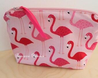Kit makeup or travel pattern pink flamingos