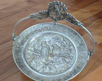 Antique Victorian MERIDEN Silver 1897 BIRDS Foliage REPOUSSE Footed Round Bride's/Cake Basket w Handle