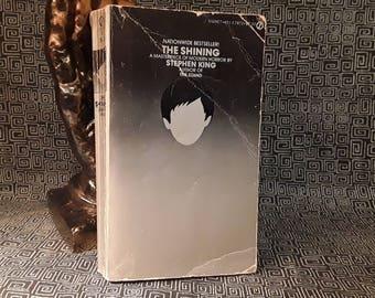 The Shining Stephen King, Paperback Book  Horror Novel , Gift for Horror fan, REDRUM, Silver Cover, 1978