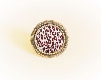 Adjustable silver ring and bow motif cabochon pink leopard