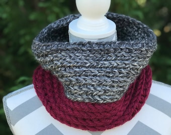 Ready to ship/ Crochet Two Toned Cowl / Circle Scarf / Womens Scarf / Crochet Cowl / Crochet Scarf