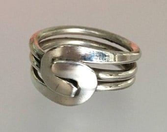 Vintage Modernist 925 Sterling Silver Ring. Size 7.5. Estate.