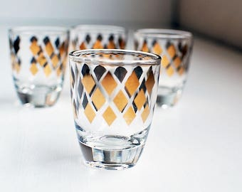 Vintage Barware Gold-trimmed Four Piece Shot Glass Set / Four Vintage Shot Glasses / Gold Trimmed Shot Glasses / Liquor Glasses / Barware