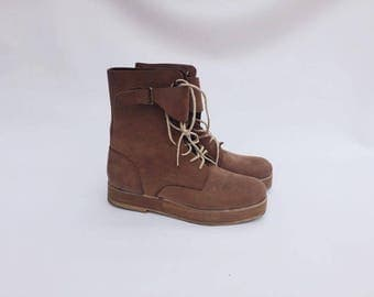 Chelsea suede ankle boots / Chelsea worker Boots / Indie lace up boots / Worker ankle boots / Chelsea boots grunge / Suede boots size 7