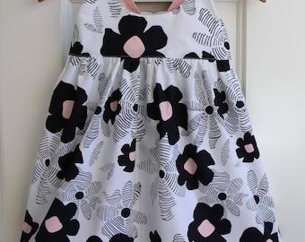 Baby Girls Dress Size 1 and 2 Hummingbird Dress / Retro Floral Dress / babies clothing / Summer Dress Baby Dress /  Monochrome