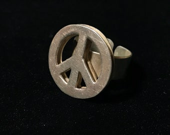 Vintage 70s Peace ring
