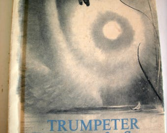 Trumpeter, The Story of a Swan, Jane and Paul Annixter, Weekly Reader Children's Book Club, Vintage 1970s, 1973