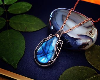 Wire wrapped jewelry Wire wrap necklace Copper jewelry Wire weaved jewelry Blue necklace Blue labradorite jewelry Wired labradorite necklace