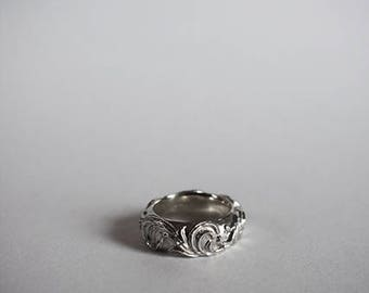 Sculpted Scrollwork Ring