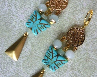 "Bohemian style ""Dreamcatcher"", métal, Amazonite, Howlite turquoise, raw brass butterfly earrings"