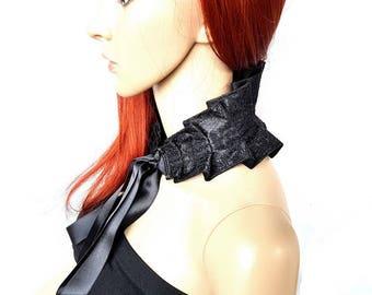 Extravagant Gothic collar