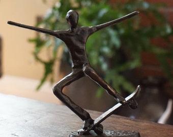 Bronze Skater Statue/ Skateboarder/ Skateboarding