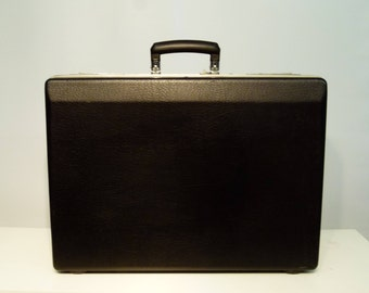 REDUCED Very Stylish Large Black & Chrome Lightweight Suitcase / Flightcase - 1980s - Very Retro!
