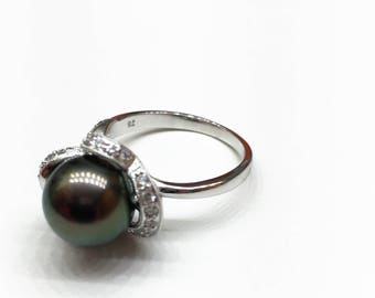 18K Gold Black Green Tahitian Pearl and Diamond Floral Ring.