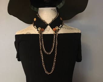 Button chain collar necklace