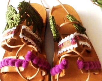 greek sandals, pom pom sandals, leather sandals, barefoot baby sandals, baby girl gladiator sandals, girls shoes, children shoes, baby girl
