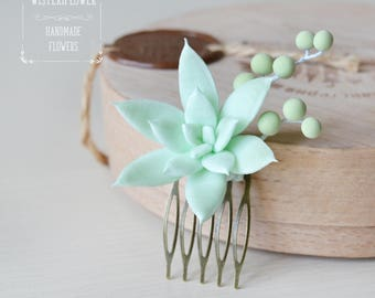 Succulent hair piece Mint Succulent Wedding Hair piece Hair accessory Succulent Jewelry Mint wedding hair comb Tropical wedding Flower gift