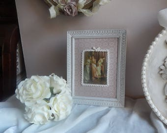 small table with old frame portrait romantic woman XVIIIth on fabric