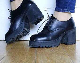 Grunge 90s platforms size 8.5 platform shoes crazy plats black platform shoes womens 90s chunky platforms vintage US 8.5 EU 39