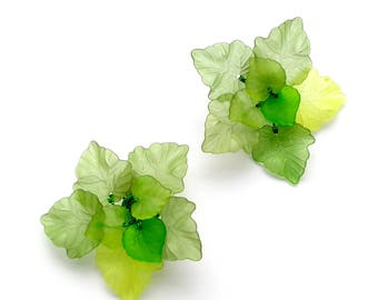 Green leaf hair clips