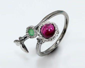 Dainty Ring, red garnet ring, modern boho ring, Adjustable Ring, Leaf Ring, January Birthstone ring, Black ring, push present, birthday gift