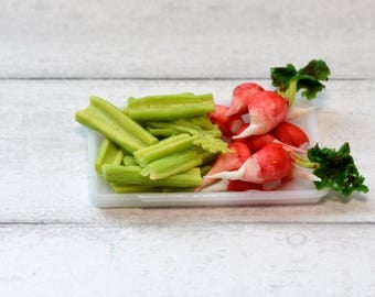1:12 scale doolhouse miniature relish tray with celery and radishes