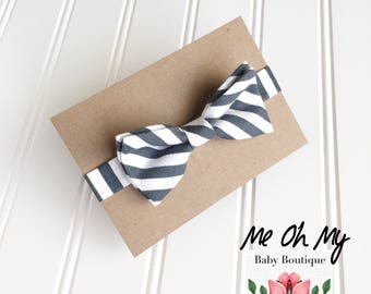 Gray stripe Baby bow tie, Toddler boys photo prop, toddler bow ties, boys first birthday outfit, kids bow tie, newborn bow tie