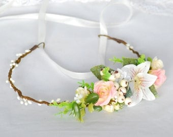 Wedding halo Bridal headband  Bridal headpiece Wedding floral halo Flower crown Bridal floral crown Flower headband Wedding flower crown