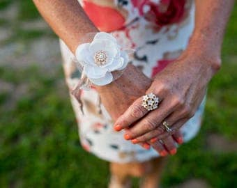Fabric Flower Corsage, Corsage, Rustic Corsage, White Fabric Flower, Vintage Corsage, Wrist Corsage, Rose Gold Brooch