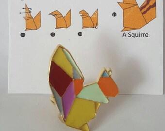 Geometric squirrel pin, origami squirrel, squirrel pin, enamel squirrel pin, origami squirrel brooch, geometric brooch, origami animal pin