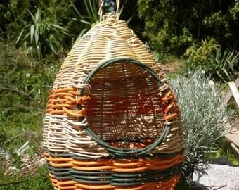 Nest hanging