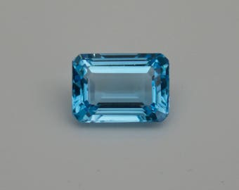 Blue Topaz. 50.66 ct. Blue Topaz Loose gemstone.