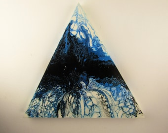 Blue lagoon fluid pour on triangular wood panel 50cm