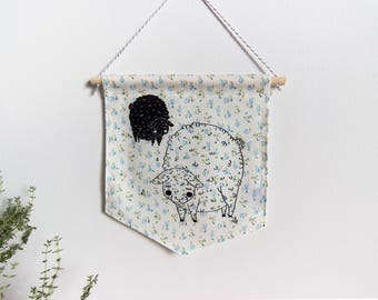 Wall banner 1 color, two sheep, flowery fabric, wall decoration, decoration, gift, baby gift, animal lover