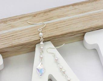 White pearl earrings   Swarovski crystal earrings   Clear crystal earrings   Swarovski bridal earrings   Elegant pearl earrings