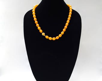1960's VINTAGE Signed MARVELLA Butterscotch Lucite Matinée Necklace