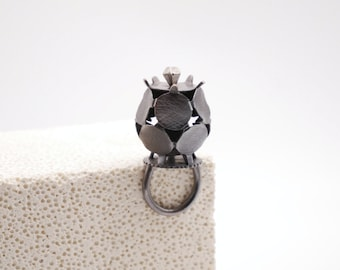 Dodecahedron coronet ring