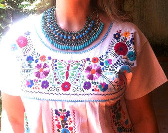 Mexican Embroidered Dress, Manta embroidery dress, Frida Kahlo style, boho dress, mexican clothing, Shipping ALL the world. chic dress.