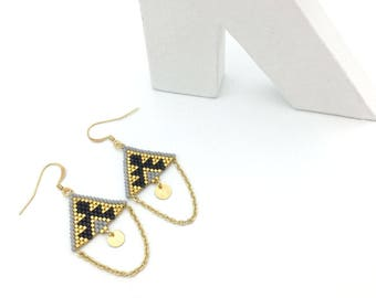 Black TRIANGLE earrings and gold, hand weaving