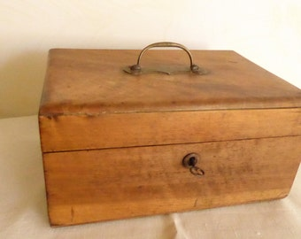 Beautiful antique French wooden box in cedar wood with key. 1889