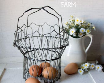 Vintage Wire Egg Basket - Collapsible - Changes Shape - Farmhouse Country Chic Style