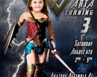 Wonder Woman Invitation, Your daughter as Wonder Woman, Wonderwoman Invitation, Wonder Woman Birthday, Wonder Woman, photo cropped onto body